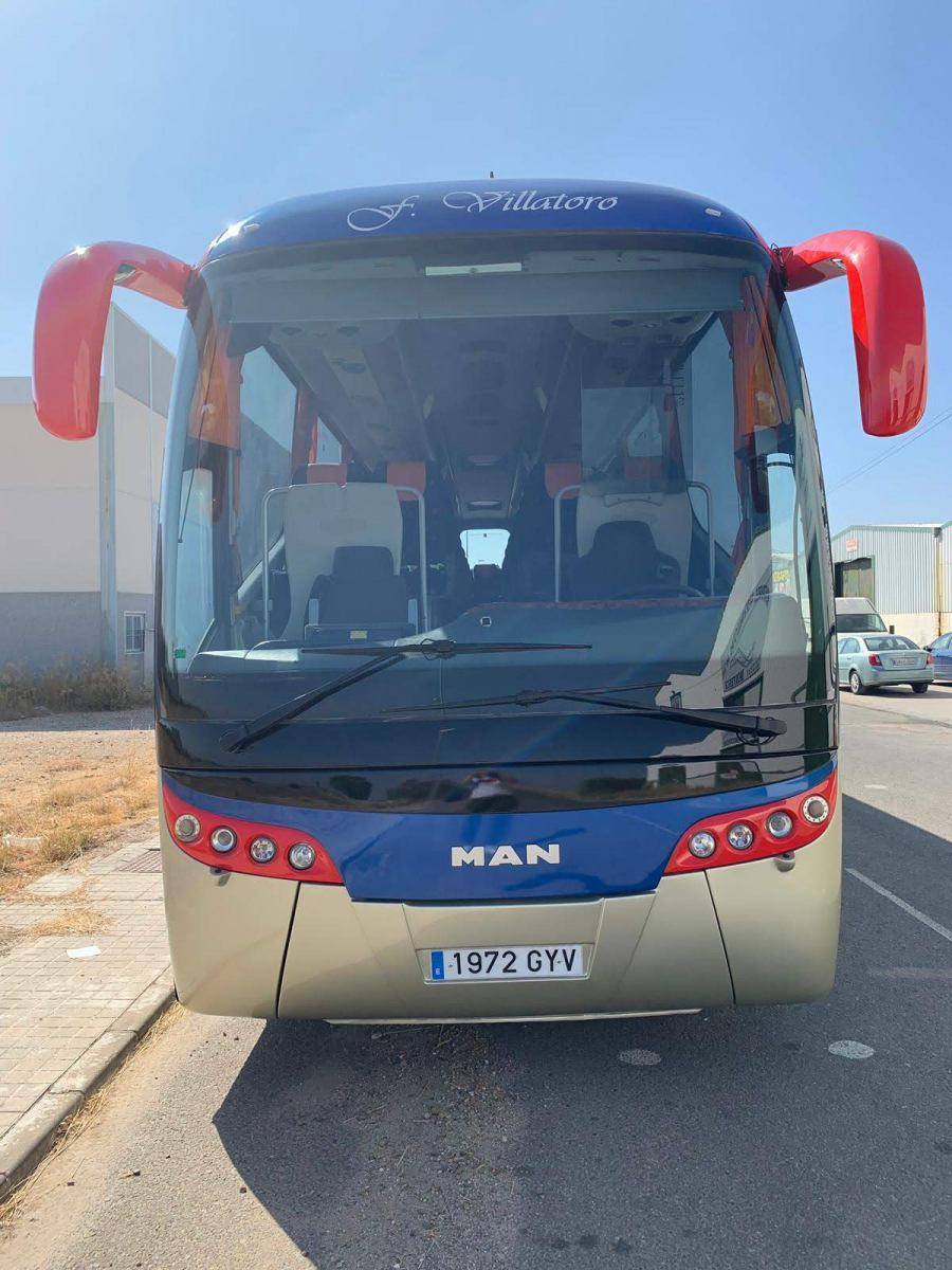 Autocares-Villatoro-Man-con-Farebús-Califa-frontal